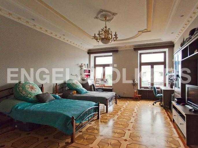 Элитные квартиры в Центральном районе. Санкт-Петербург, Невский, 64. Спальня на первом уровне