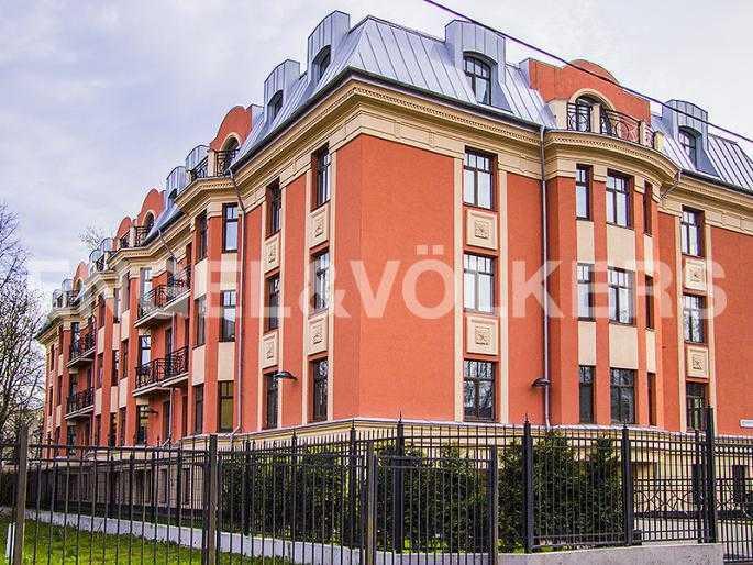 Элитные квартиры в Других районах области. Санкт-Петербург, Дибуновская, 22. Фасад дома