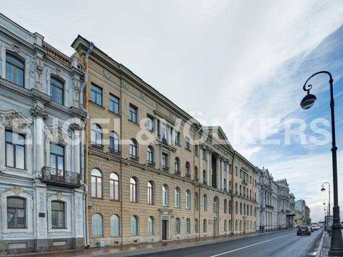 Элитные квартиры в Центральном районе. Санкт-Петербург, Дворцовая наб., 16. Фасад дома