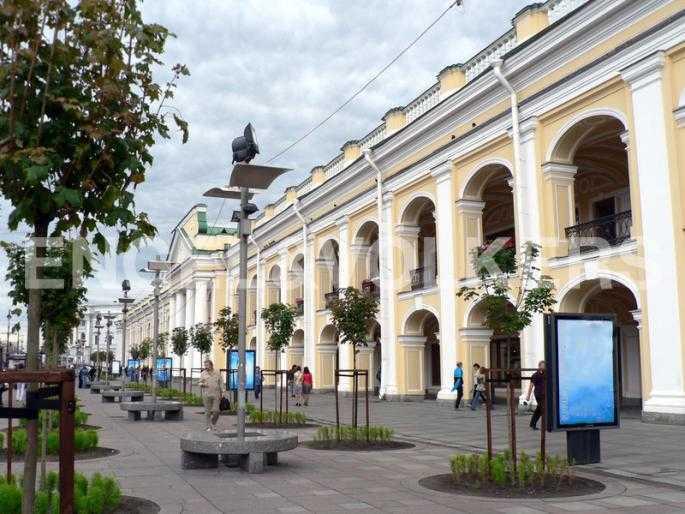 Элитные квартиры в Центральном районе. Санкт-Петербург, Невский пр., 40-42. Прогулочная зона около Гостиного двора