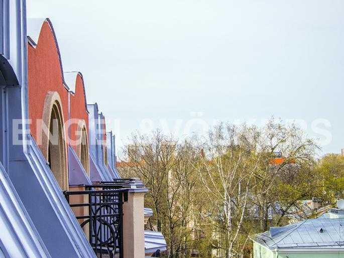 Элитные квартиры в Других районах области. Санкт-Петербург, Дибуновская, 22. Вид с балкона