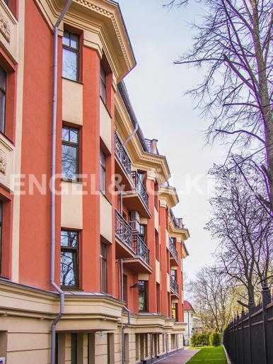 Элитные квартиры в Других районах области. Санкт-Петербург, Дибуновская, 22. Закрытая территория