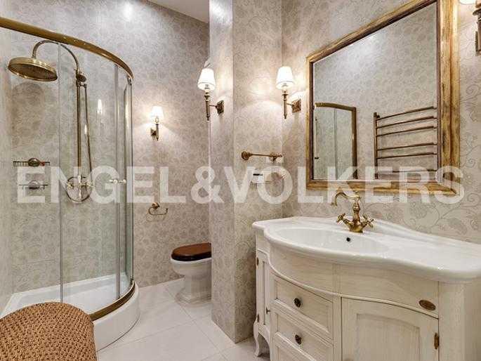 Элитные квартиры в Других районах области. Санкт-Петербург, 12-линия, 7. Ванная комната