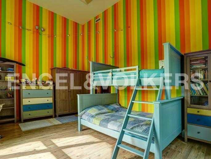 Элитные квартиры в Курортном районе. Санкт-Петербург, п. Лисий Нос. Детская спальня
