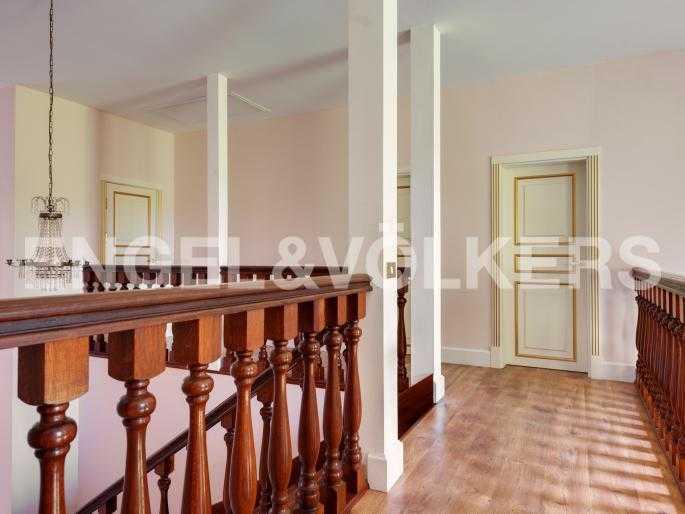 Элитные квартиры в Выборгском районе. Ленинградская область, Озеро Лебяжье. Второй этаж (спальная зона)