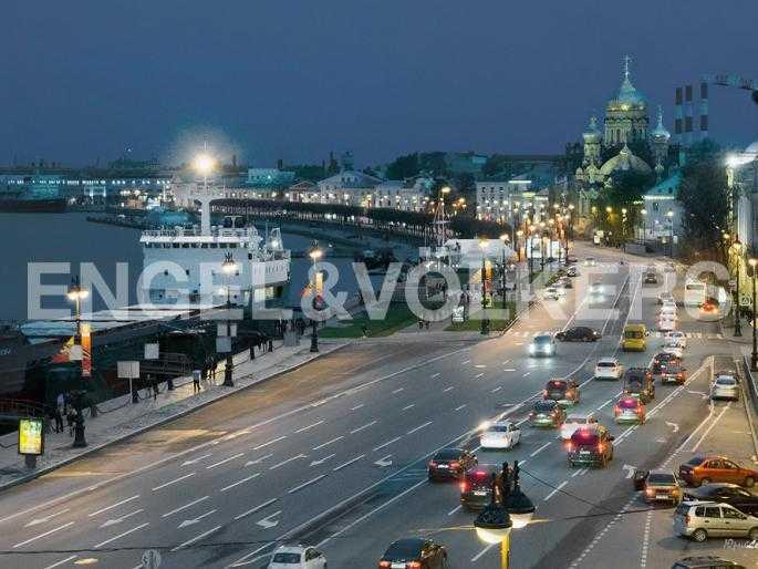 Элитные квартиры в Других районах области. Санкт-Петербург, 12-линия, 7. Ночной вид набережной Лейтенанта Шмидта