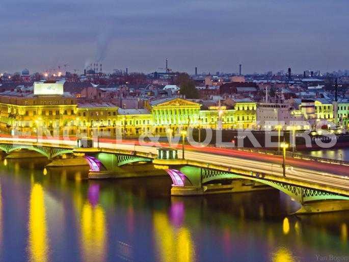 Элитные квартиры в Других районах области. Санкт-Петербург, 12-линия, 7. Ночной вид Благовещенского моста
