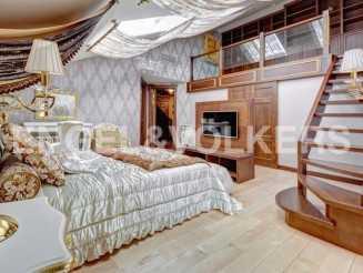Миллионная, 12 - жемчужина классики с панорамным видом на исторический Петербург