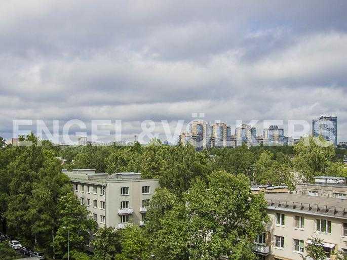 Элитные квартиры в Других районах области. Санкт-Петербург, Ланское шоссе, 14. Вид из окна спальни