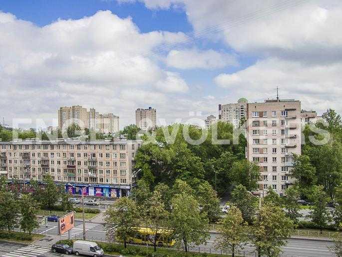 Элитные квартиры в Других районах области. Санкт-Петербург, Ланское шоссе, 14. Вид с балкона кабинета