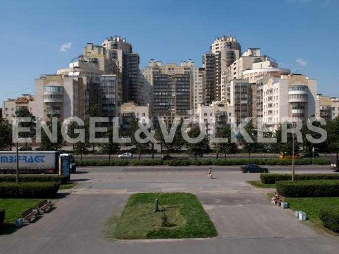 Элитные квартиры в Других районах области. Санкт-Петербург, Ланское шоссе, 14. Фасад дома