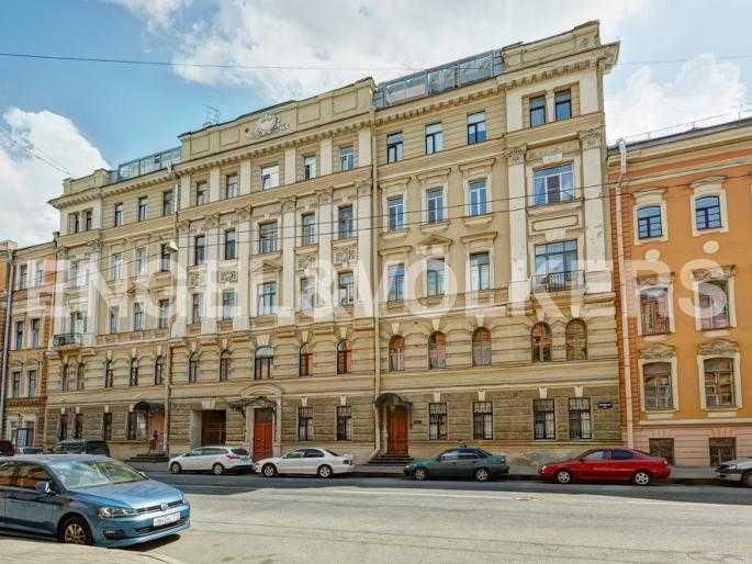 Элитные квартиры в Центральном районе. Санкт-Петербург, Миллионная, 12. Фасад дома