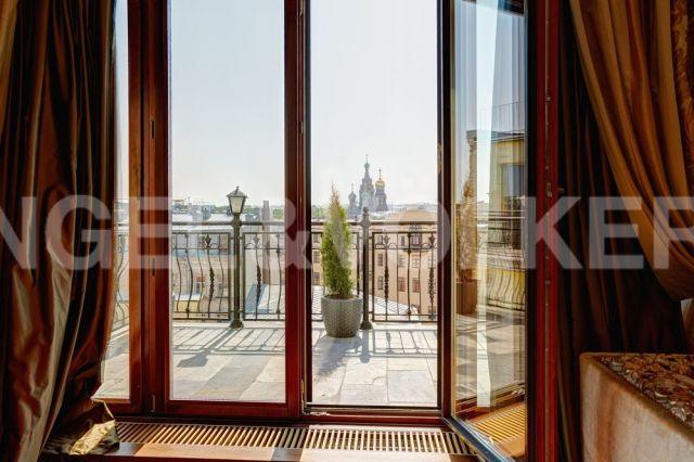 Миллионная, 12 – жемчужина классики с панорамным видом на исторический Петербург