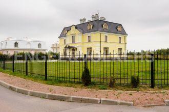 «Северный Версаль» — готовый особняк в двух шагах от Лахта Центр