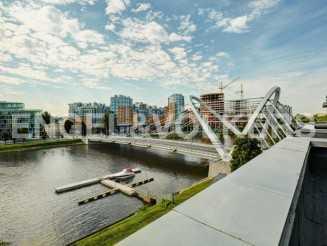 «Олимпийская деревня» — панорамный вид на акваторию реки М. Невки
