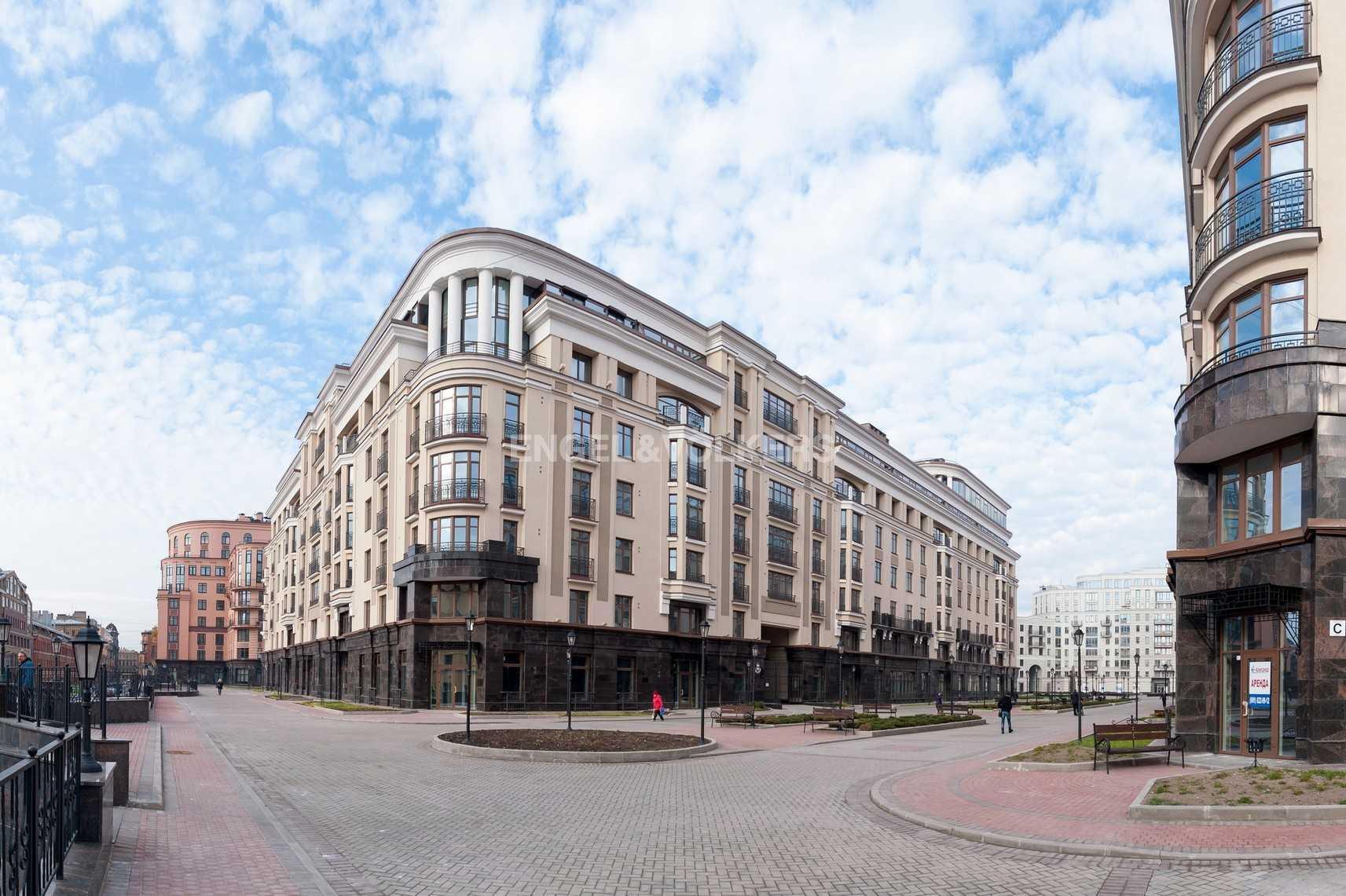 Элитные квартиры в Центральном районе. Санкт-Петербург, Парадная ул. 3. Фасад здания