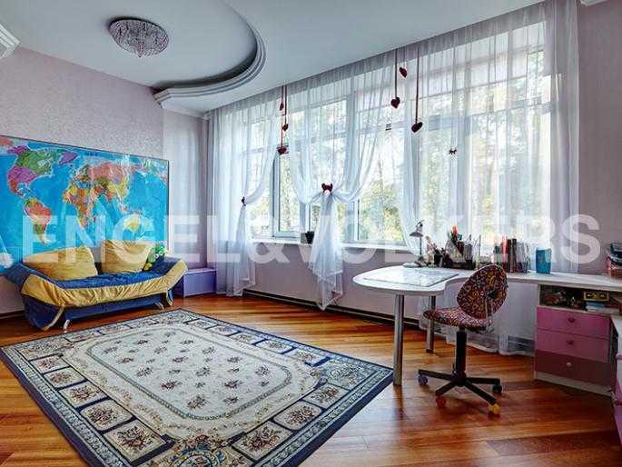 Элитные квартиры на . Санкт-Петербург, Динамовская, 2. Детская комната