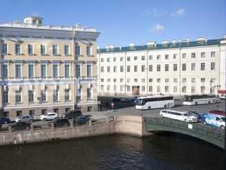 Наб. реки Мойки, 24 — Квартира с видом на воду «в двух шагах» от Эрмитажа