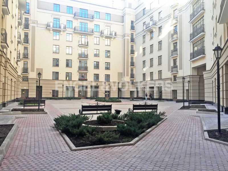 Элитные квартиры в Центральном районе. Санкт-Петербург, Парадная ул., 3. Закрытая внутренняя территория дома