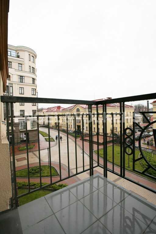 Элитные квартиры в Центральном районе. Санкт-Петербург, Парадная ул. 3. Балкон