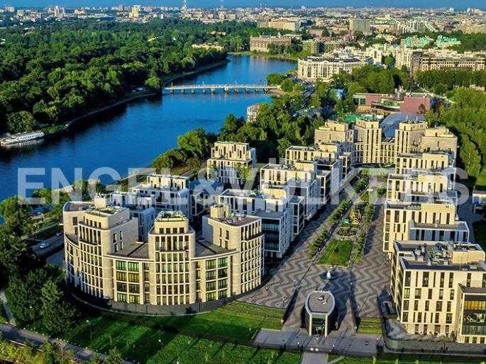 Элитные квартиры на . Санкт-Петербург, наб. Мартынова, 74Д. Вид сверху на комплекс