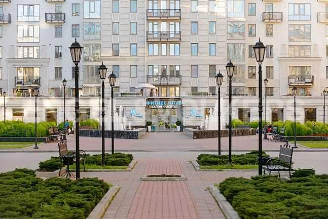Элитные квартиры в Центральном районе. Санкт-Петербург, Парадная ул., 3. Фитнес клуб Парус на территории комплекса