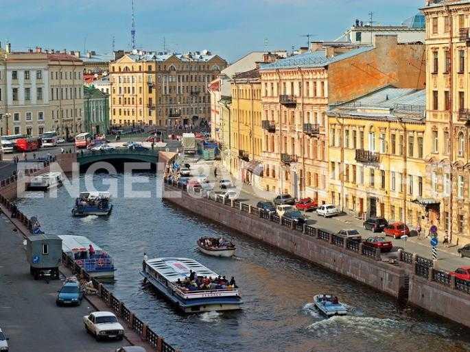 Элитные квартиры в Центральном районе. Санкт-Петербург, Наб. реки Мойки, 24. Расположение на набережной реки Мойки