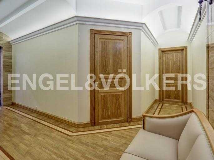 Элитные квартиры в Центральном районе. Санкт-Петербург, наб. реки Фонтанки, 54. Холл-коридор