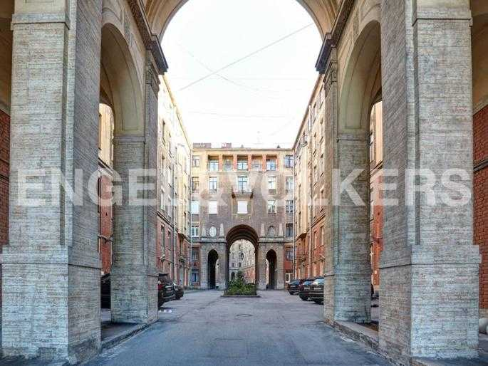 Элитные квартиры в Центральном районе. Санкт-Петербург, наб. реки Фонтанки, 54. Внутренняя придомовая территория