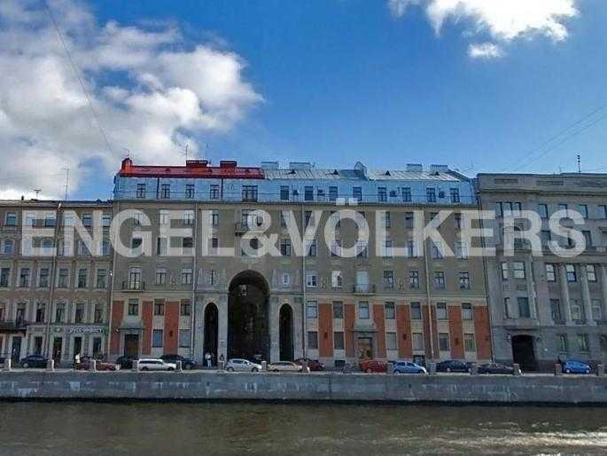Элитные квартиры в Центральном районе. Санкт-Петербург, Наб. реки Фонтанки, 54. Фасад Толстовского дома