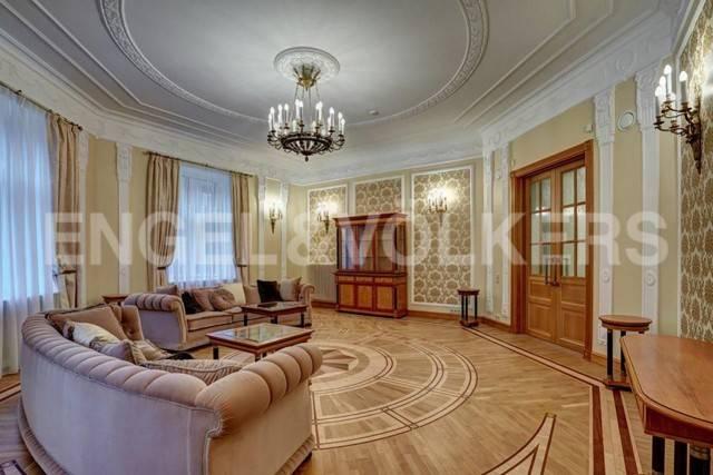 Наб. реки Фонтанки, 54 – классика в Толстовском доме
