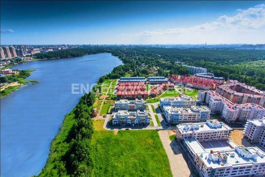 Элитные квартиры в Других районах области. Санкт-Петербург, Береговая улица, 25к1. Месторасположение