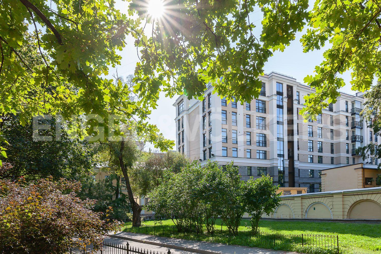 Элитные квартиры в Центральном районе. Санкт-Петербург, Кирочная, 31 к.2. Фасад дома