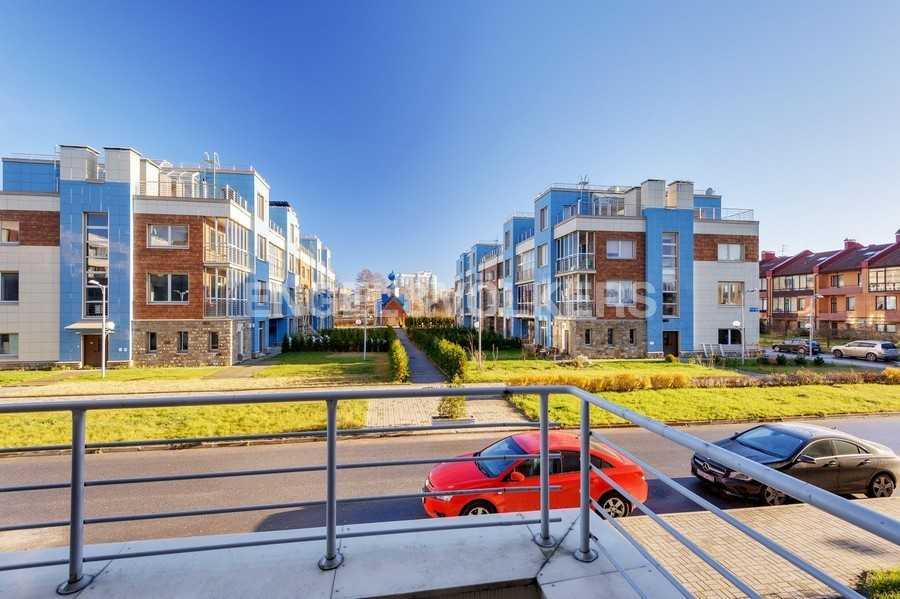 Элитные квартиры в Других районах области. Санкт-Петербург, Береговая улица, 25к1. Вид с террасы