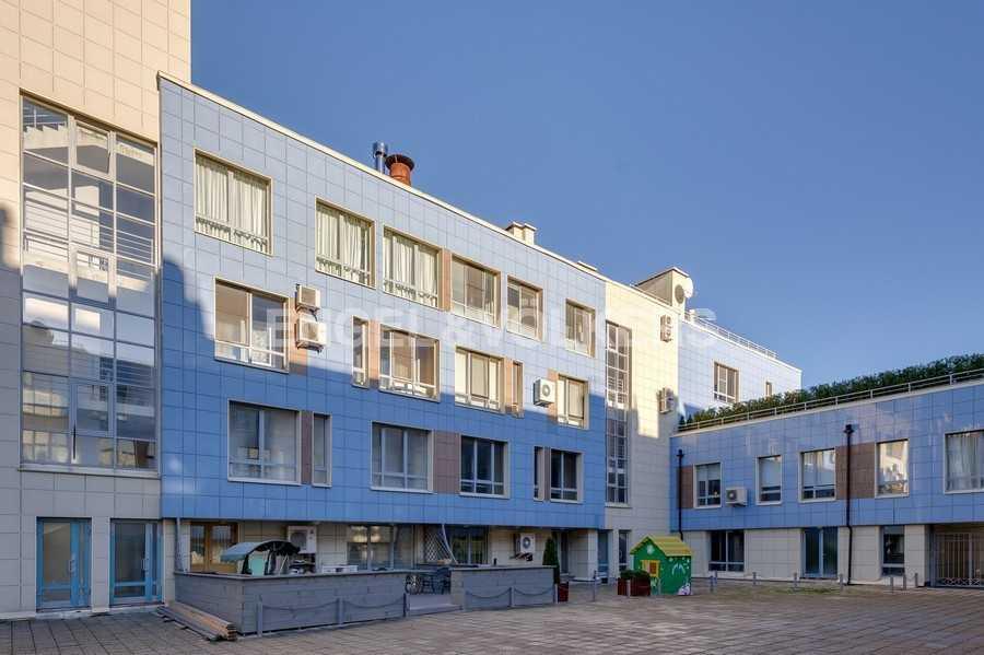 Элитные квартиры в Других районах области. Санкт-Петербург, Береговая улица, 25к1. Возможность индивидуального оформления террасы