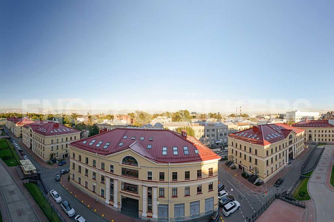 Элитные квартиры в Центральном районе. Санкт-Петербург, Парадная, 3. Вид из окон в сторону Парадной улицы