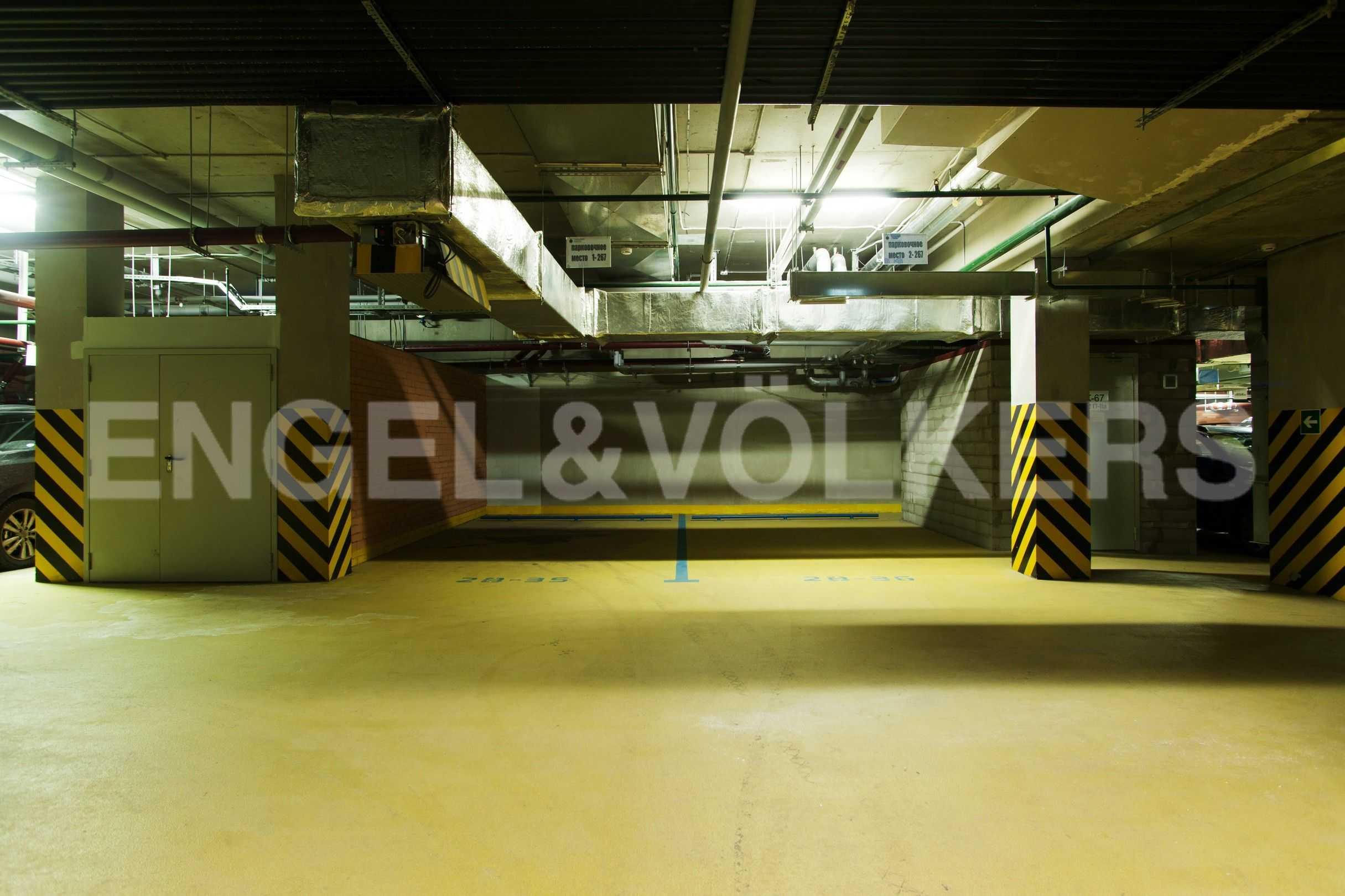 Парковочные места в подземном паркинге