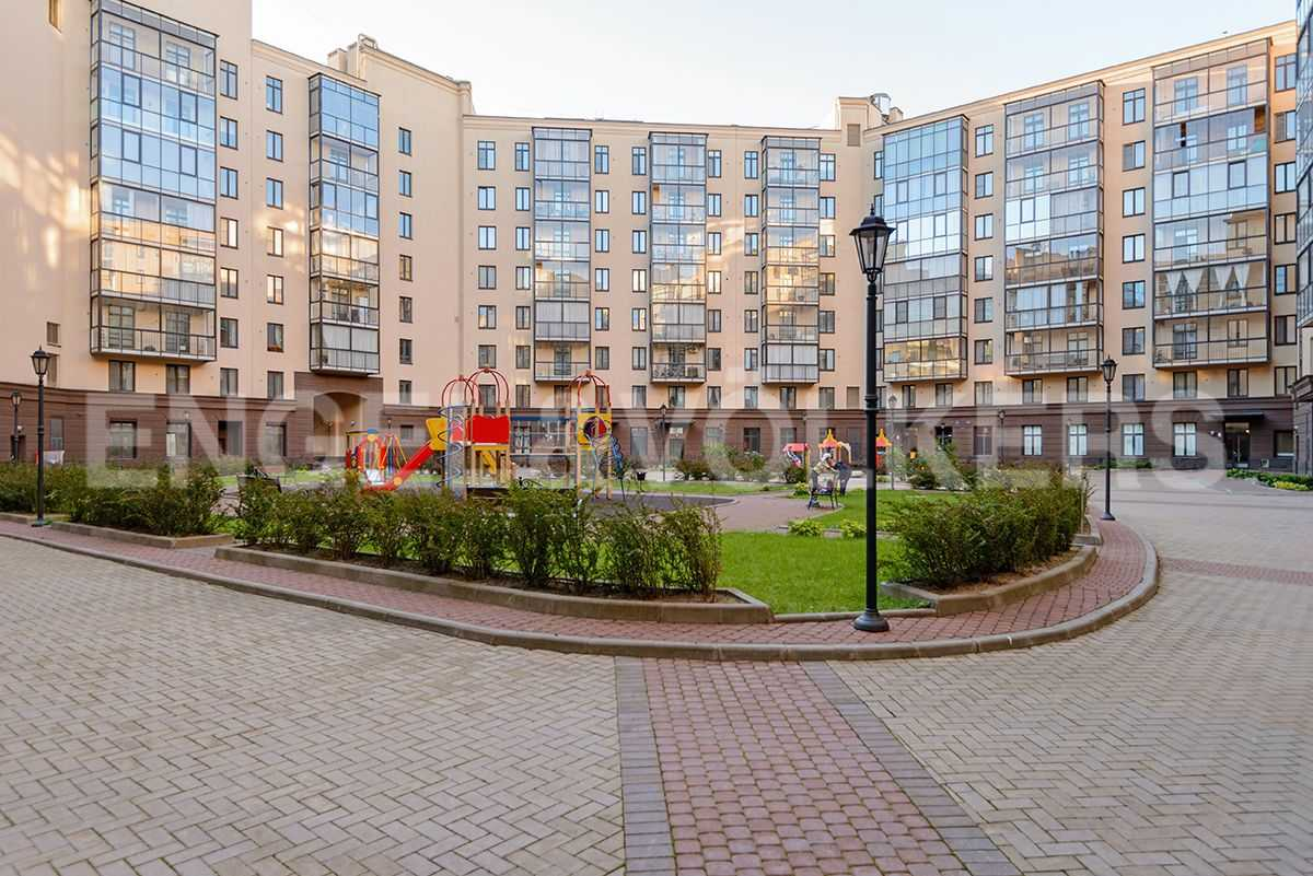 Элитные квартиры в Центральном районе. Санкт-Петербург, Парадная, 3. Закрытая внутренняя территория дома