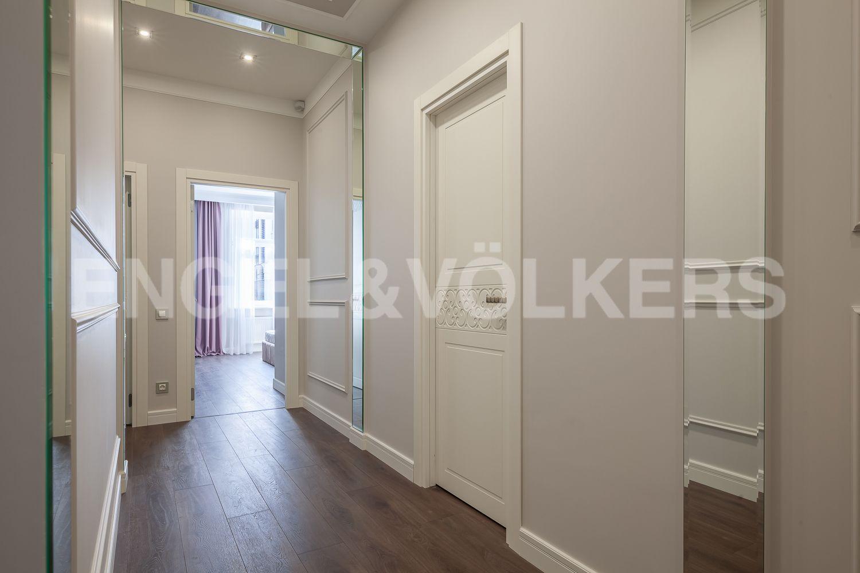 Элитные квартиры в Центральном районе. Санкт-Петербург, Кирочная, 31 к.2. Интерьер холла