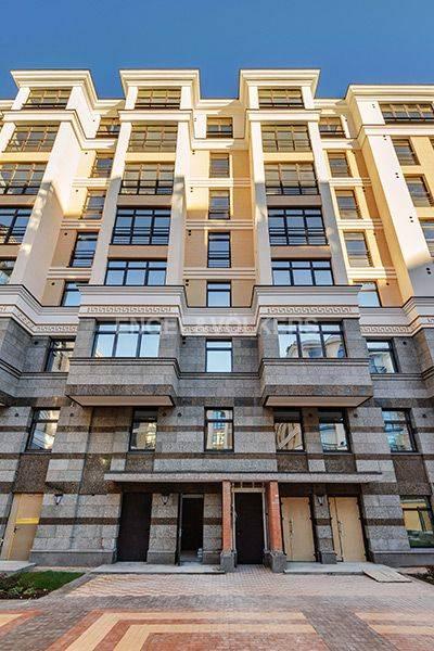 Элитные квартиры в Центральном районе. Санкт-Петербург, Радищева, 39. Фасад дома со стороны внутренней территории
