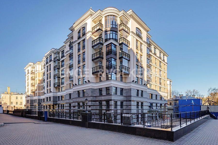 Элитные квартиры в Центральном районе. Санкт-Петербург, Радищева, 39. Дом с собственной закрытой территорией