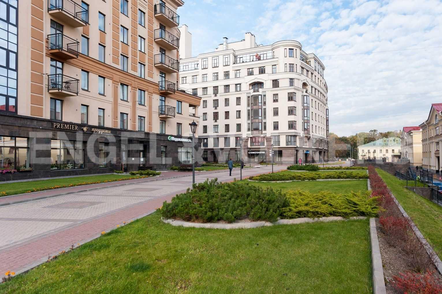 Элитные квартиры в Центральном районе. Санкт-Петербург, Парадная, 3. Пешеходная зона комплекса