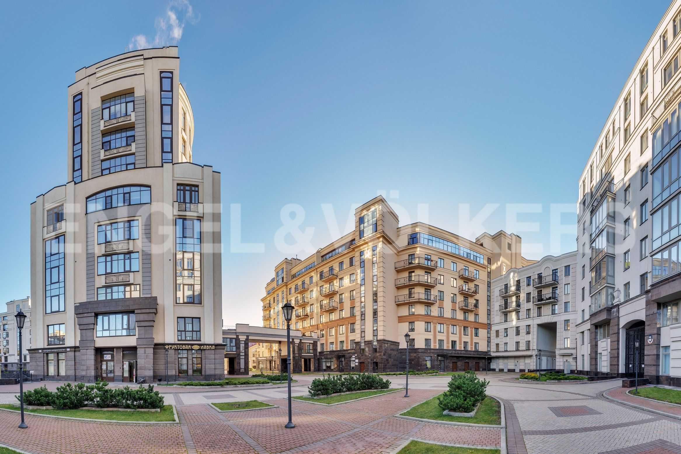 Элитные квартиры в Центральном районе. Санкт-Петербург, Парадная, 3. Фасад дома с территории комплекса