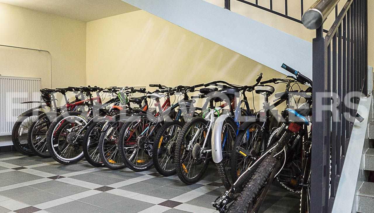 Элитные квартиры на . Санкт-Петербург, Морской пр., 11. Отдельная зона для хранения велосипедов