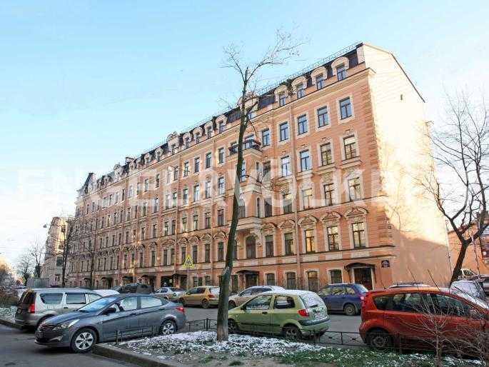 Элитные квартиры в Центральном районе. Санкт-Петербург, Английский пер., 29. Фасад дома