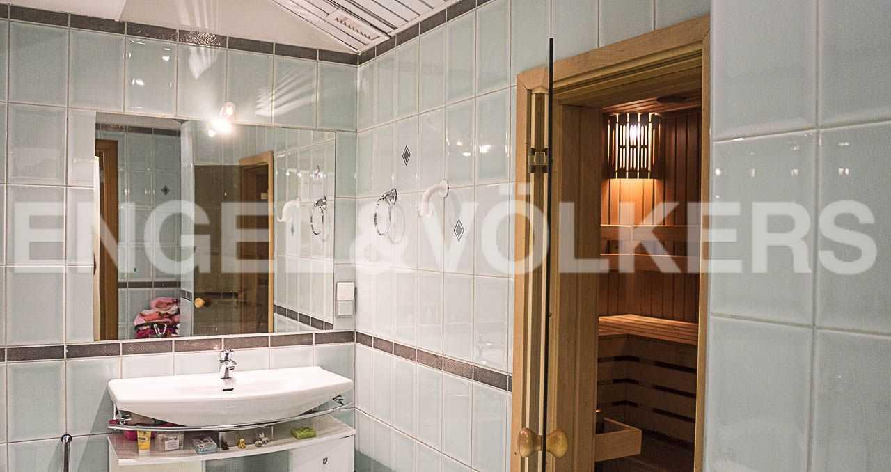Элитные квартиры на . Санкт-Петербург, Морской пр., 11. Ванная комната с сауной
