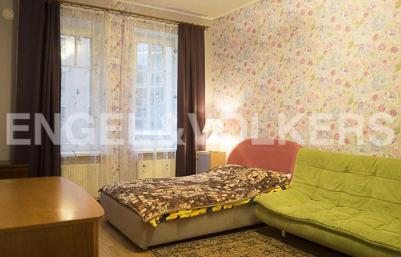 Элитные квартиры на . Санкт-Петербург, Морской пр., 11. Зона спальни с окнами во внутренний дворик