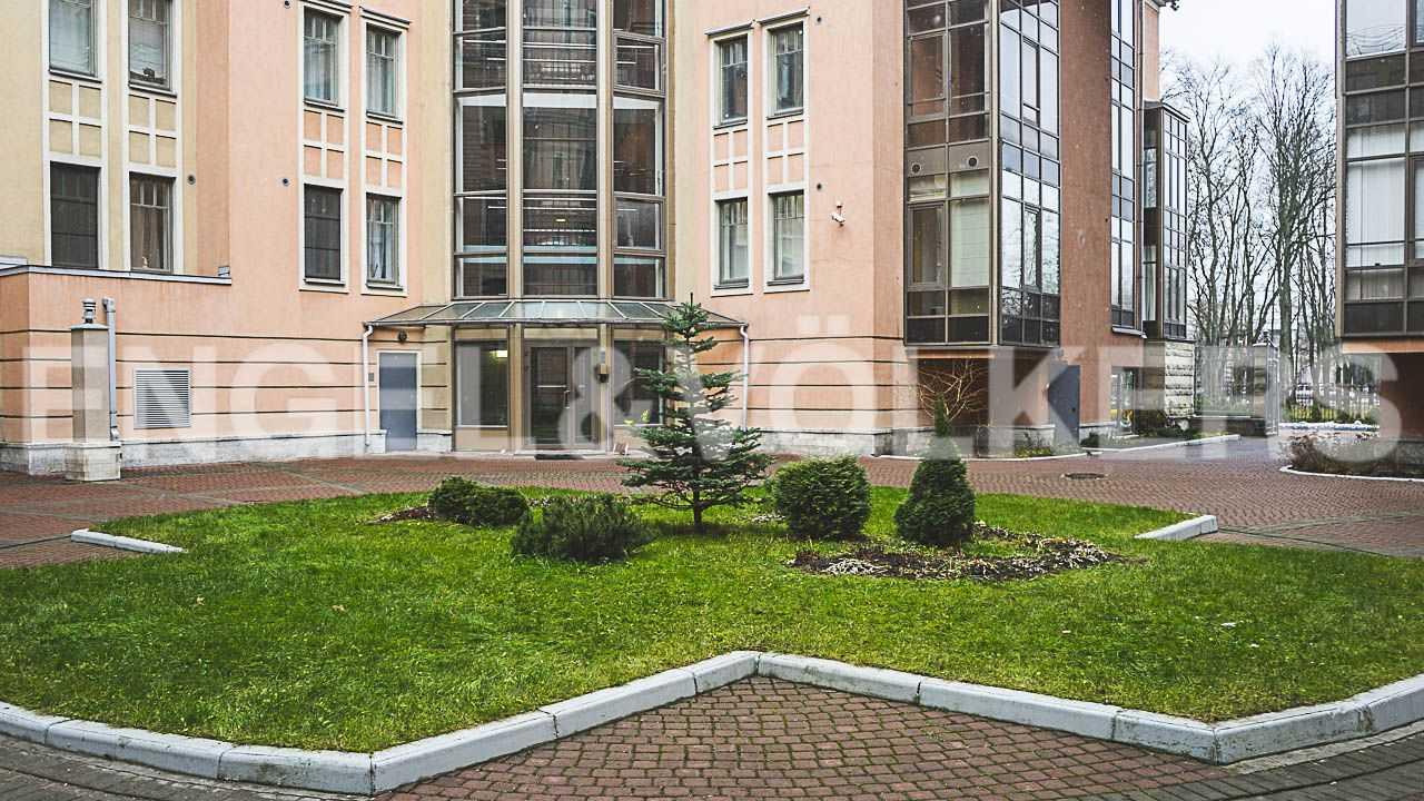 Элитные квартиры на . Санкт-Петербург, Морской пр., 11. Ландшафтный дизайн во внутреннем дворике