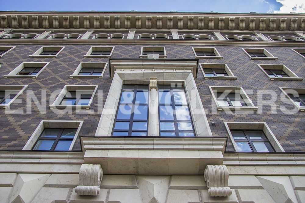 Фасад дома в стиле венецианского палаццо