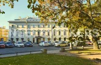 Искусств, 5 — квартира с видом на Русский музей
